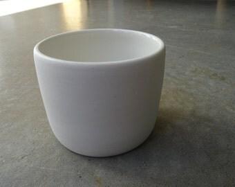 Simple porcelain cup
