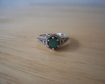 Vintage Natural Emerald Ring in Sterling Silver