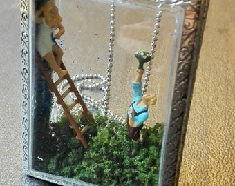 Romeo and Juliet romantic and sexy necklace miniature diorama terrarium