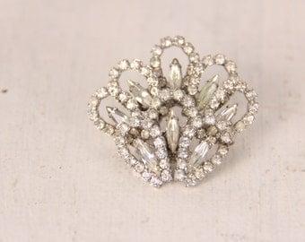Vintage 1950s rhinestone brooch pin silver color