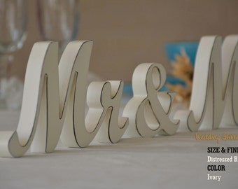 Rustic Mr & Mrs wedding sign with dark distressed edges / Black edges / Brown edges / White and Ivory