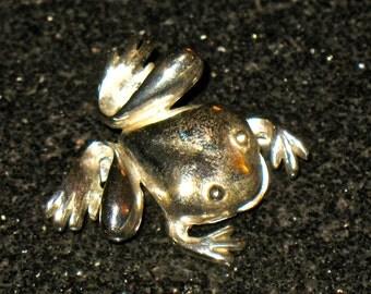 Vintage Whimsical Frog Figural Silver Tone Brooch signed  J.J. Jonette Jewelry