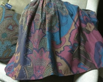 Original authentic Ralph Lauren full size gathered bedskirt/dust ruffle burgundy teal blue green paisley pattern