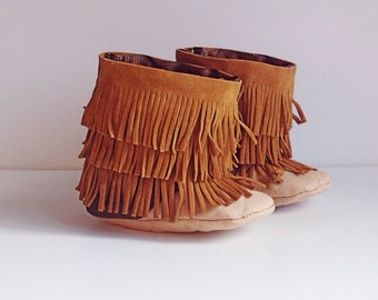 Baby moccasin boots, three layer fringe boots, baby booties, baby gift ideas, fall baby boots and winter baby boots