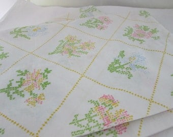 Pair of Floral Pillowcases Cross Stitch Look J C Penney Flower Pillowcases pair White Pillowcases Pair Standard pillowcases pillow slips