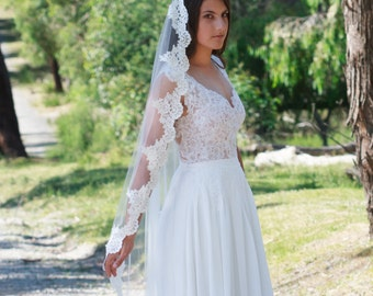 Mantilla Veil Grace, Veil, Tulle veil, Traditional veil, Lace veil - TV0013