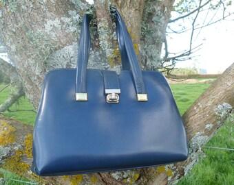 Blue Vintage bag, a timeless beauty