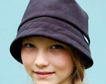 Black cloche hat |1920s designer hat for women| ©ZUTkiki rain hat in luxury Italian gaberdine