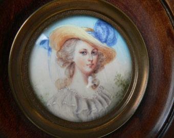 Vintage French hand painted portrait miniature painting of a lady - in wooden frame - peinture miniature d'une jeune femme