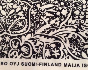 SALE Marimekko Kulkunen, black and white heavy cotton fabric fat quarter, 46cm x 70cm, Maija Isola, Finland