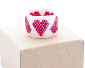 Peyote Ring / Beaded Heart ring / Beaded ring / Beaded Jewelry / Beaded Ring / Bead Jewelry