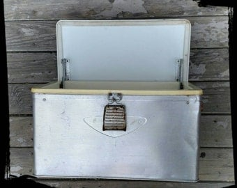 Vintage Silver Aluminum Ice Chest/ Metal Picnic Cooler/ Drink Ice Box/Camping Cooler/Primitive Decor/Storage Box/Ice Box/ F1232