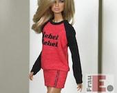 "Fashion Doll Sweater-Kleid ""Rebel Rebel"" - rot/schwarz"