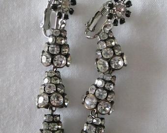 1960s Chandelier Rhinestone Black Glass Clip Earrings