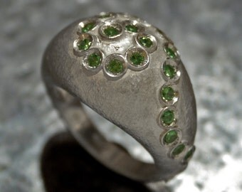 Silver ring with tsavorite garnet
