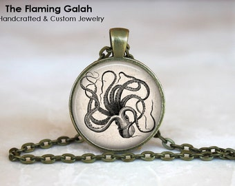 Vintage GIANT SQUID Pendant •  Sea Creature •  Sea Monster •  Steampunk Squid •  Gift for Diver • Gift Under 20 • Made in Australia (P1126)