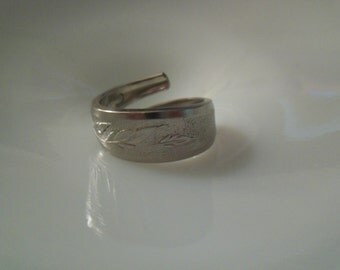 Spoon Ring-- Size 10.75