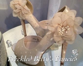 Flower cream, Bridal, wedding heels