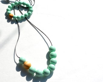 Teeth necklace - Silicone balls - Silicone beads - Wooden bead - Maple - Food silicone - Nursing necklace - Bracelet - Mint - Sweet - Baby
