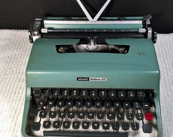 Vintage 60s Olivetti Lettera 32 Teal Green Manual Portable Typewriter & Blue/Black leather Case with handle