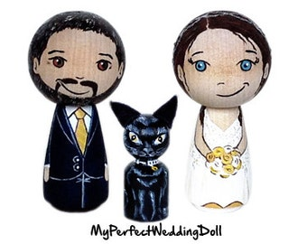 Cake Topper/Wedding Couple + Pet/Anniversary gift/Personalised/3 Peg dolls /Cat - 6.5 cm tall