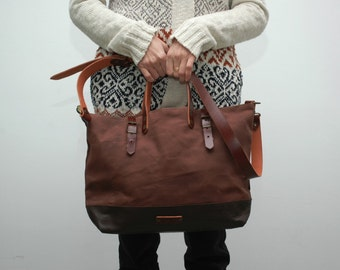 waxed canvas bag with leather handles and closures,chocolatte color