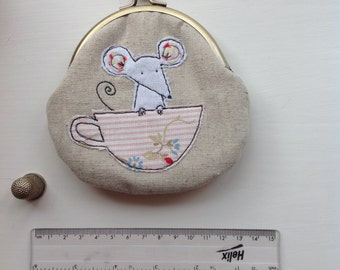 Coin purse  - Mouse in a teacup