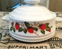 Antique Vintage Sheffield Strawberry dish lid pot jar pottery kitchen container
