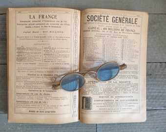 Antique 1913 French Almanac.  Popular encyclopedia of practical life.  French Book. Vintage French book .