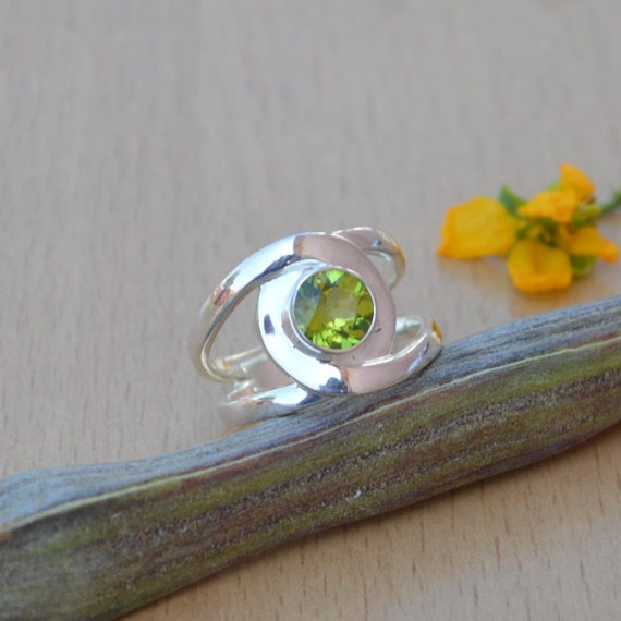 Natural Peridot Gemstone Ring- Solid 925 Sterling Silver Ring Size 7 -August Birthstone Jewelry -Unique Designer Peridot Ring Size 7