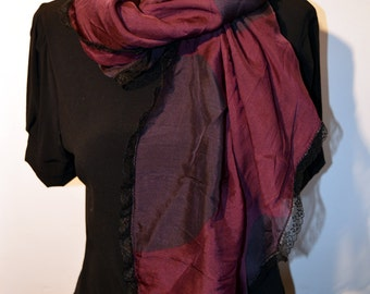 scarf bordeaux with black lace