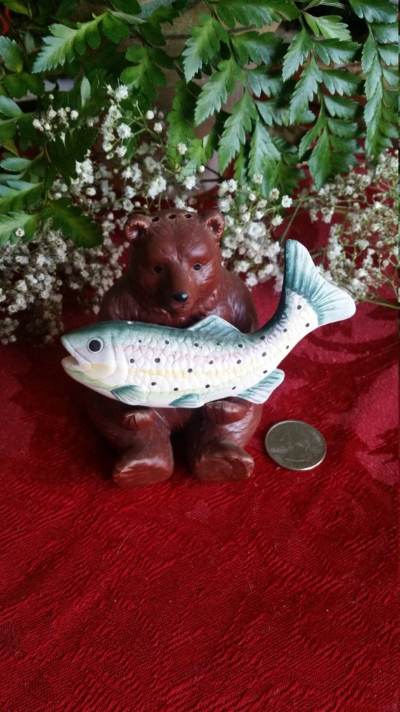 Bear and fish salt and pepper shakers for Fish salt and pepper shakers