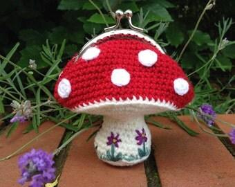 Toadstool Coin Purse Crochet Pattern