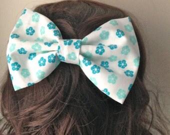 Blue Floral Hair Bow - Blue and White Fabric Hair Bow - Teen Hair Bow - Floral Hair Bow - Children's Hair Bow - Hair accessory - Hair Clip