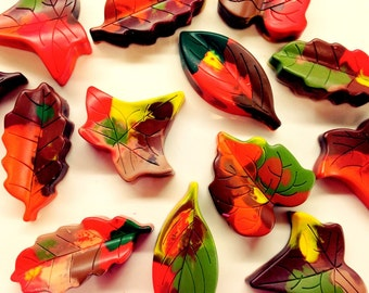 25 Leaf Shaped Crayons, Fall Party Favor, Woodland Birthday Party Favor, Leaf rubbing, Forest Fairy, Recycled Crayon, Scarlet Chickadee