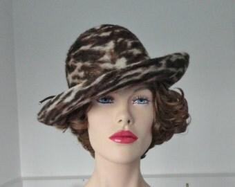Very Beautiful 70s Vintage Hat // Brown Beige // Hatteæsken Odense // Size 56/57 // Made In Denmark