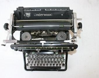 Underwood Typewriter early 1900's