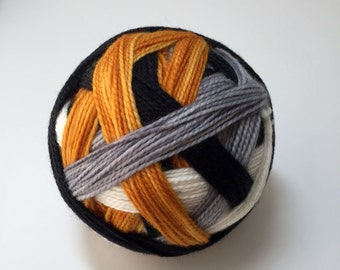 The droid you're looking for (BB-8) - Hand Dyed Self-Striping Fingering/Sock Yarn - Full Skein - 4 color/stripe sequence