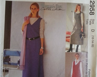 Teacher dress/ jumper dress / scoop / V Neck dress/ jumper pockets/ easy 2000 sewing pattern, Bust 34 36 38, Size 12 14 16, McCalls 2958