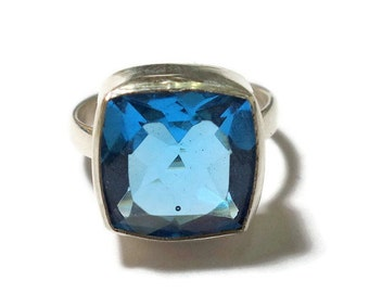 beautiful 92.5 sterling silver ring with blue topaz, cushion shape ring, blue topaz ring