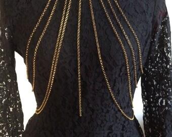 Multi strand-body chain antique gold-tone, totally sexy