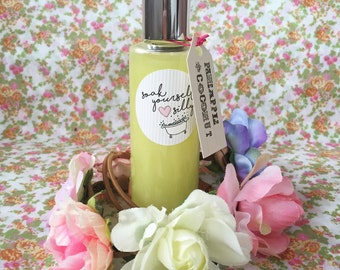 Handmade pineapple and coconut shower gel. Natural and paraben free