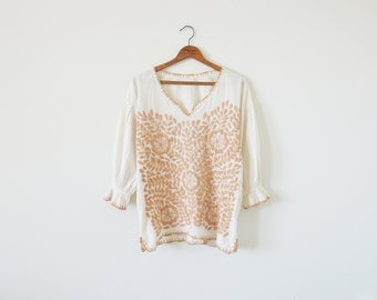 70s vintage embroidered blouse / boho tunic top