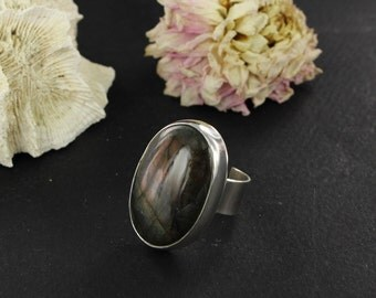 Labradorite ring - Sterling silver ring - Statement ring - Handmade