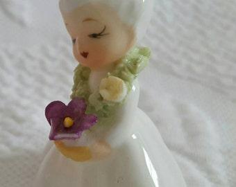 Vintage Napco minature holding flower