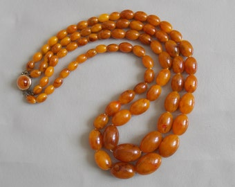 vintage necklace large beads of the 1950s color amber