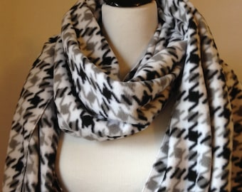 Fleece Scarf, White and Black Houndstooth Fleece Scarf,  Shawl,White Fleece Scarf, White and Gray Scarf, Gift, College Scarf, FREE SHIPPING