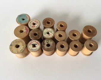 16 Vintage Wooden Thread Spools, Assorted sizes