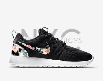 nike roshe run floral kids black
