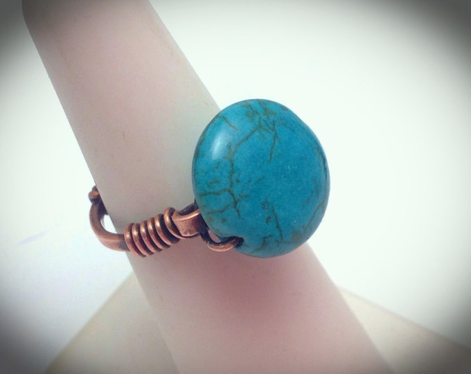 Small copper button wire wrapped ring - Turquoise